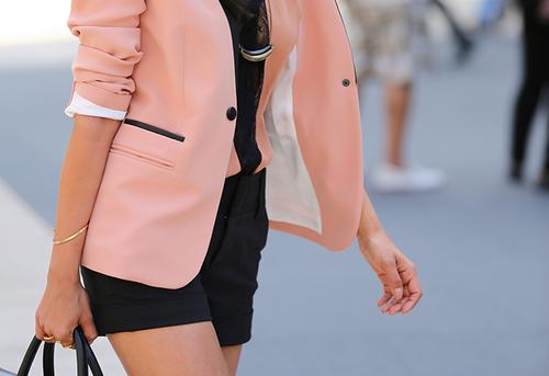 自分にちょっとご褒美ファッション。NINEで作る大人抜け感スタイルの魅力。